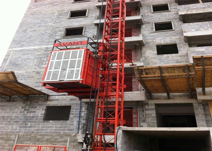 Safety Transport Platforms / Material Lift For Construction Customized